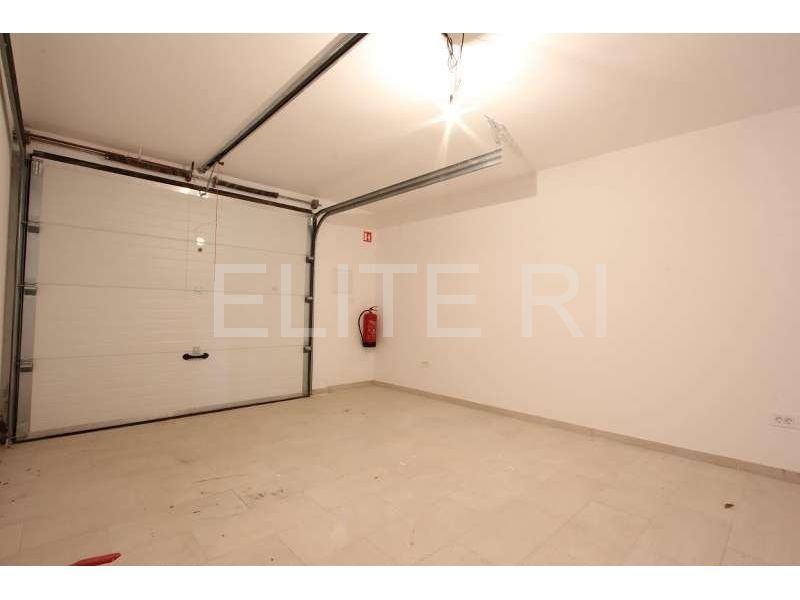 Rešetari - Brestovice - garaža (prodaja)