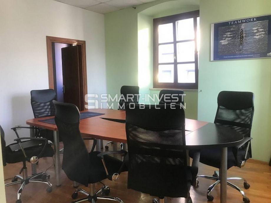 RIJEKA - CENTAR, poslovni prostor od 72 m2, za najam (iznajmljivanje)