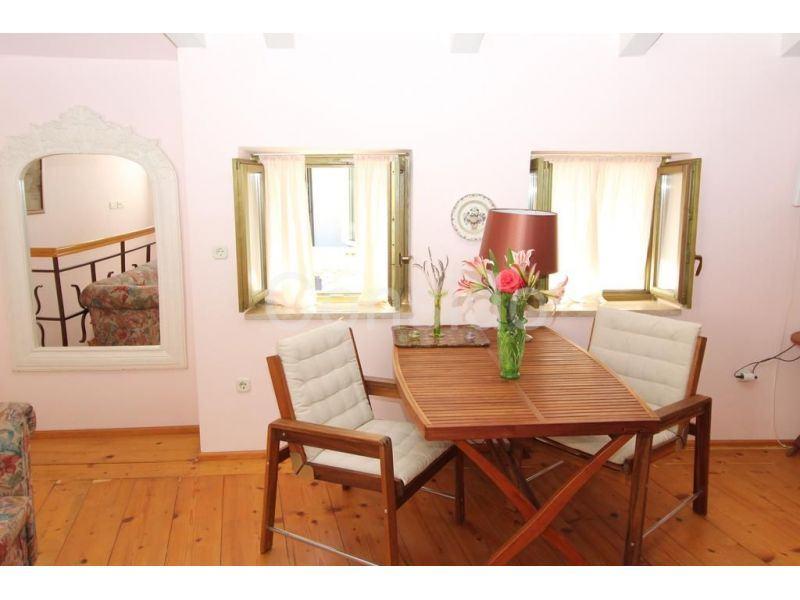 Rovinj, kuća sa 3 apartmana 260 m2 (prodaja)