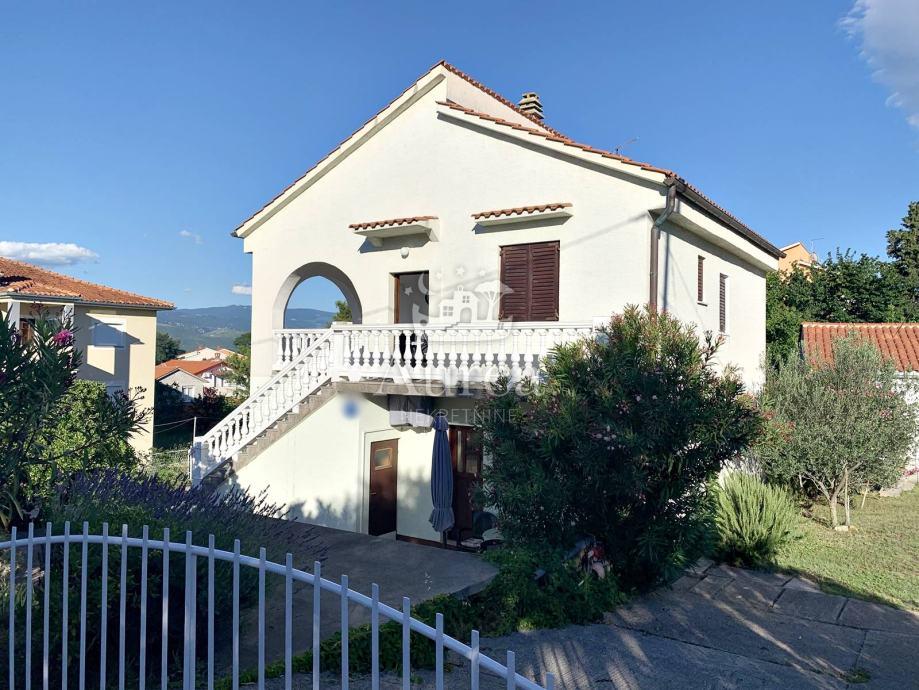 Samostojeća kuća sa četiri stambene jedinice, Šilo, otok Krk (prodaja)