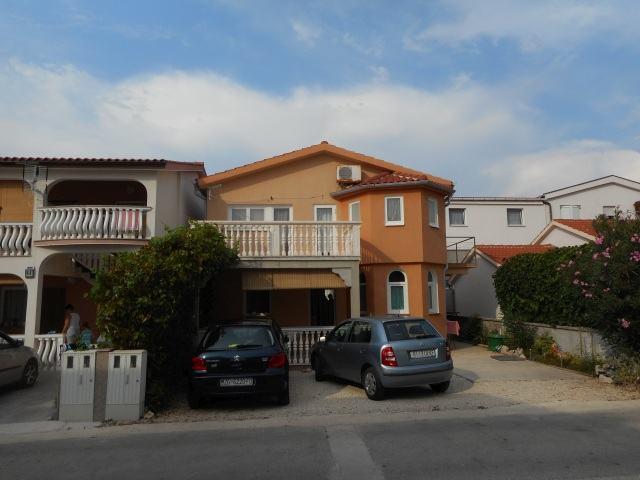 Samostojeća kuća/vikendica, katnica, p. 126.30 m2, otok Vir (Prezide) (prodaja)