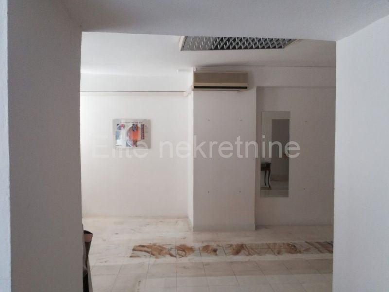 Senj - poslovni prostor 50 m2 (iznajmljivanje)
