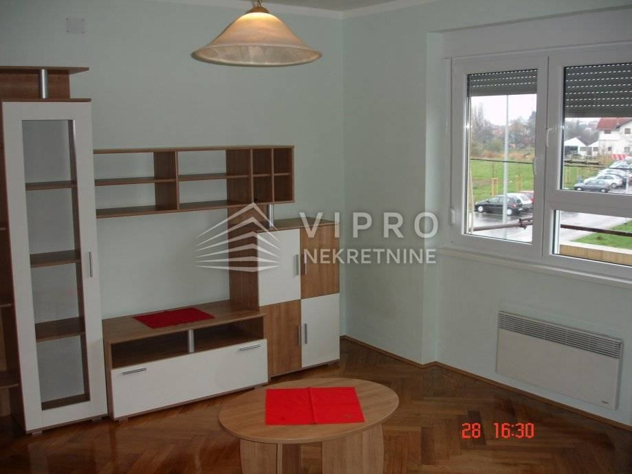 Sisak, 2-S stan 56,38 m2, 1. kat, renoviran, PRILIKA! (prodaja)
