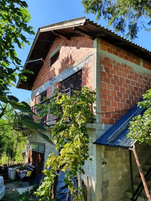 Škrinjari, Klijet s plantažnim vinogradom i okućnicom
