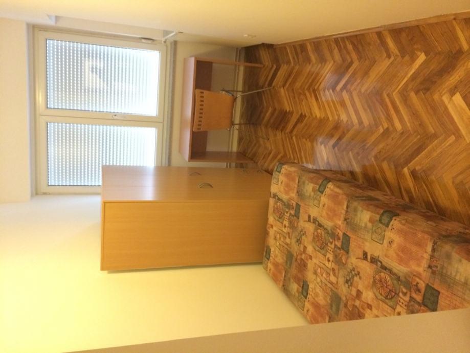 Sobe za studentice-Osijek, namještene, strogi centar