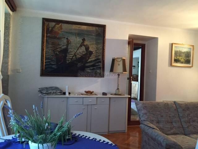 Stan u bulevardskoj vili, 85 m2 (iznajmljivanje)