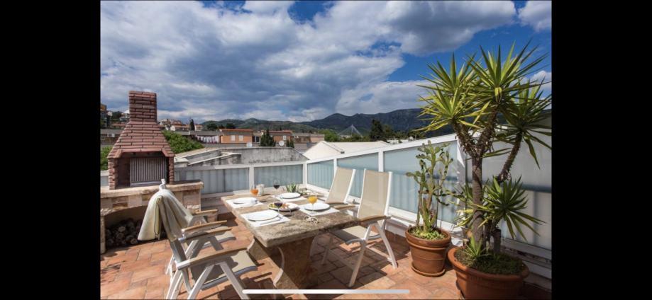 Dubrovnik, Lapad, stan 100.00 m2 (prodaja)