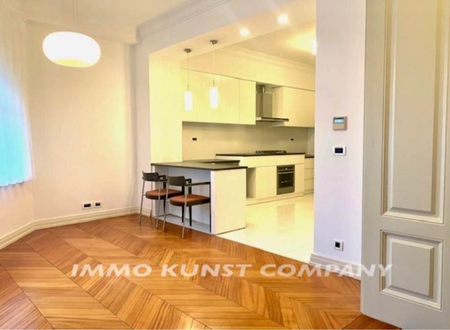 Poslovni prostor, Zagreb (Gornji grad), 200.00 m2 (iznajmljivanje)