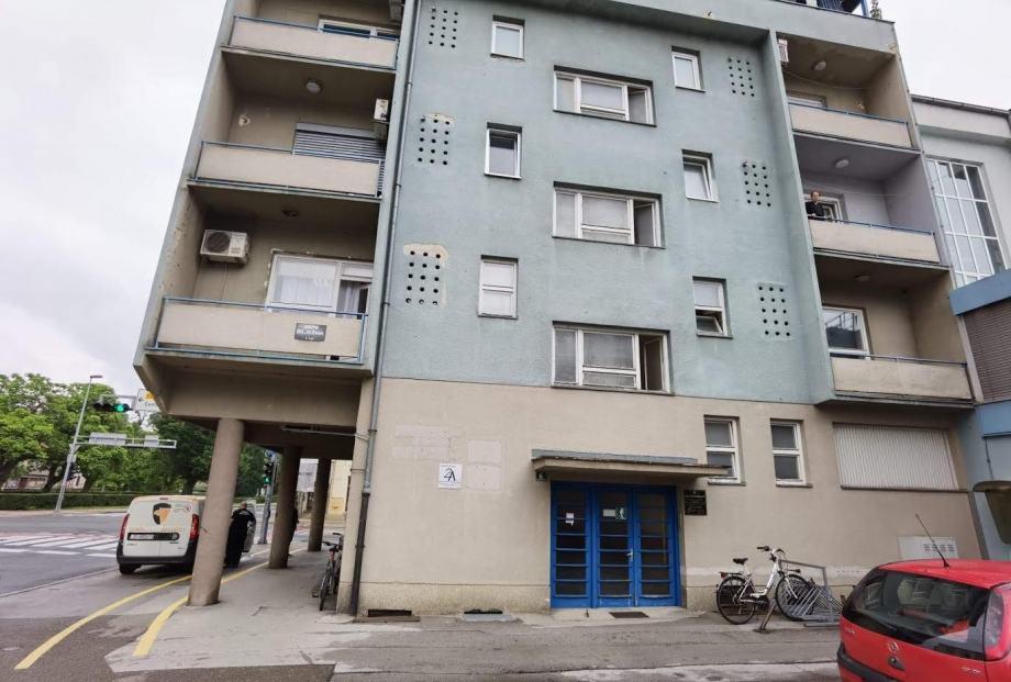 Stan: Karlovac,NAJAM- POSLOVNI prostor 68.00 m2 400 E/mj. (iznajmljivanje)
