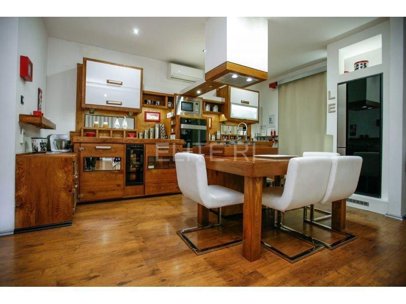 Stan: Rijeka, 160.00 m2 (prodaja)