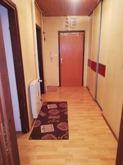 Stan: Sisak, 87, 94 m2 prizemlje (prodaja)