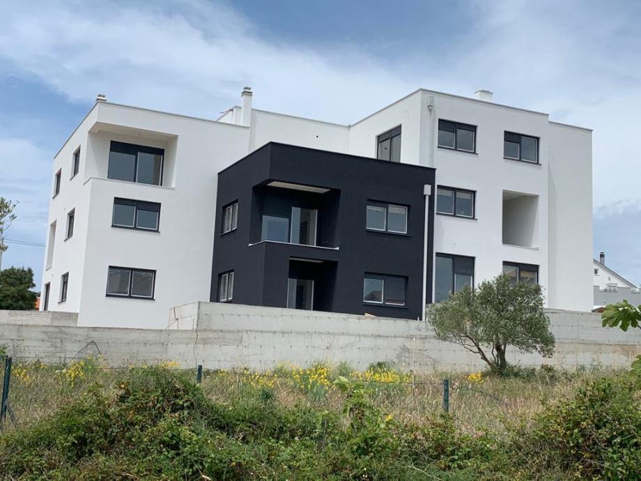 Zadar, 102.15 m2, Trosoban stan s vrtom od 193 m2, novogradnja (prodaja)