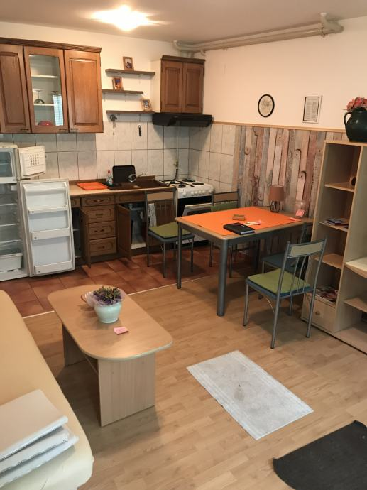 2 sobni stan Zagreb, Peščenica Volovčica Borongajska kod tržnice 50 m2 (iznajmljivanje)
