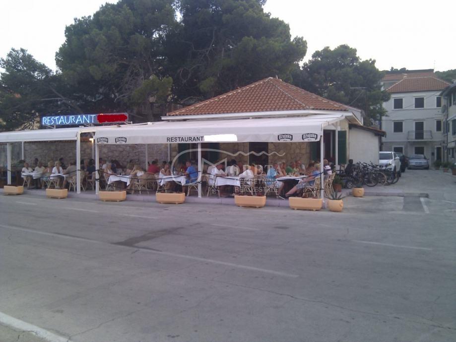 Tisno, restoran na otoku Murteru (prodaja)