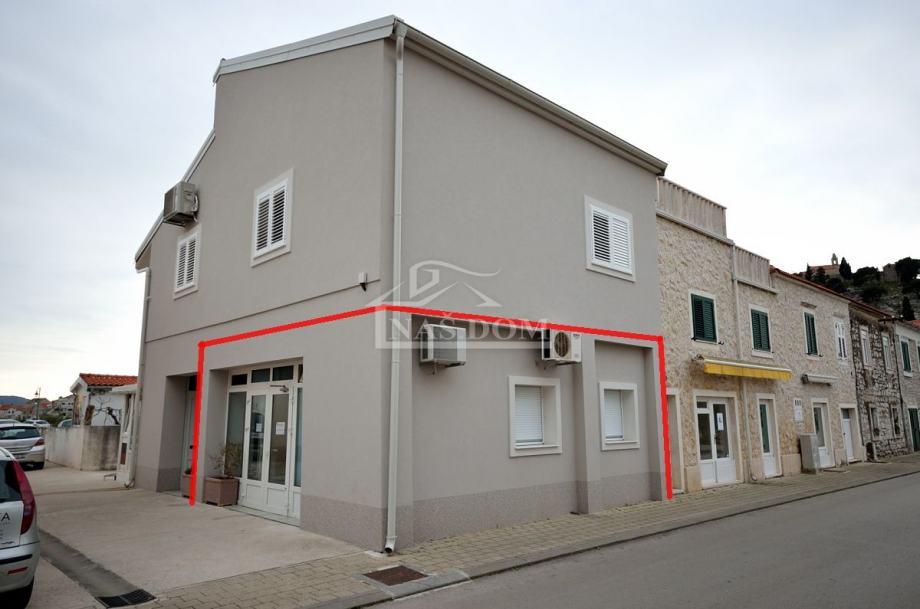 Tribunj- centar poslovni prostor 49,85 m2 (prodaja)