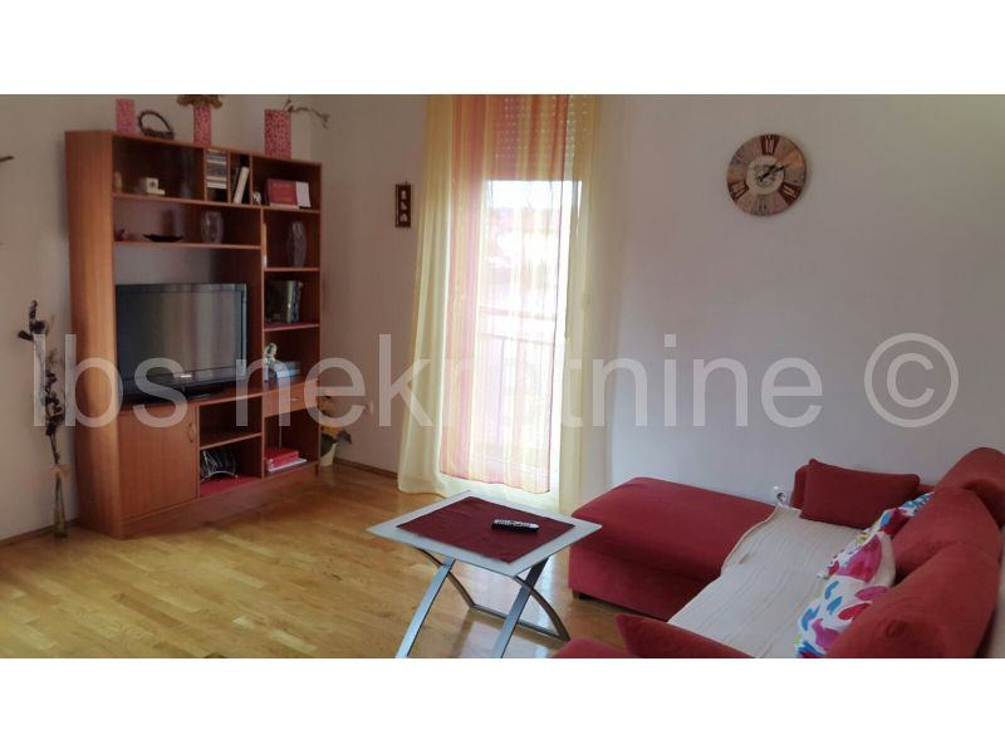 Trnava-prekrasan dvosoban stan može i zamjena za Split! (prodaja)