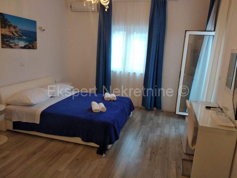 Trogir-Soba s kupatilom 30m2 (iznajmljivanje)