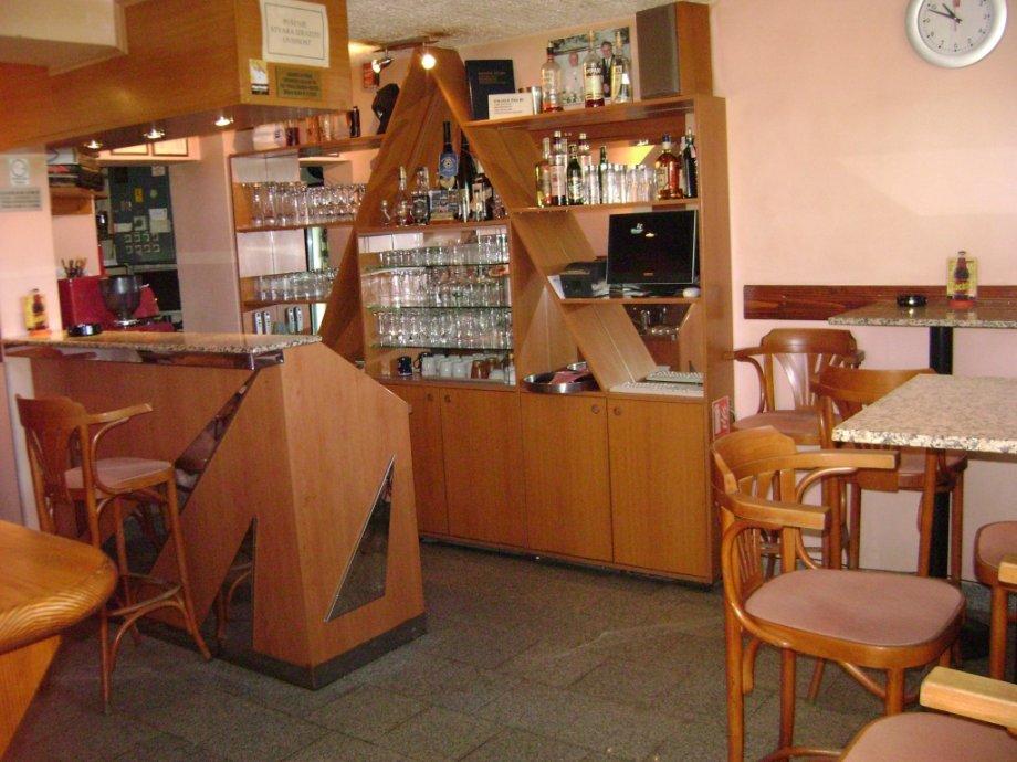 UGOSTITELJSKI OBJEKT!! UHODANI CAFFE BAR!! RETFALA!! ADAPTIRANO!!! (prodaja)