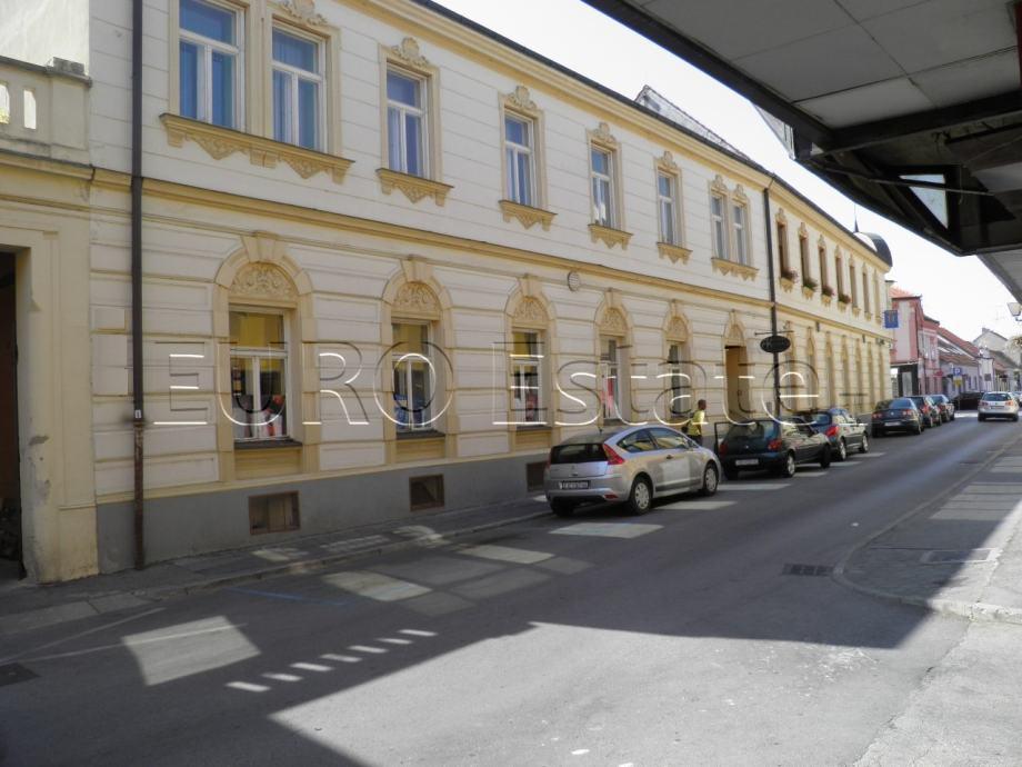Varaždin - gradska jezgra, uredski poslovni prostor, 60 m2, 1. kat (iznajmljivanje)