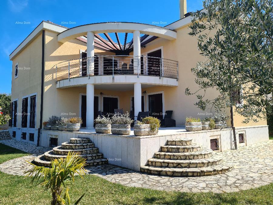 Kuća Medulin, Pošesi, samostojeća vila 50 m od plaža. (prodaja)