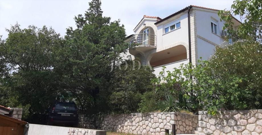 Novi Vindolski, kuća sa tri stana (prodaja)