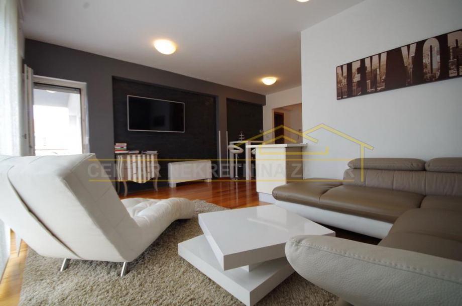 PRILIKA!! Kolovare, dvosobni stan i garaža, novija gradnja! (prodaja)