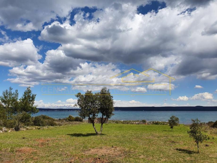 Ždrelac, otok Pašman, zemljište prvi red do mora! 2400 m2