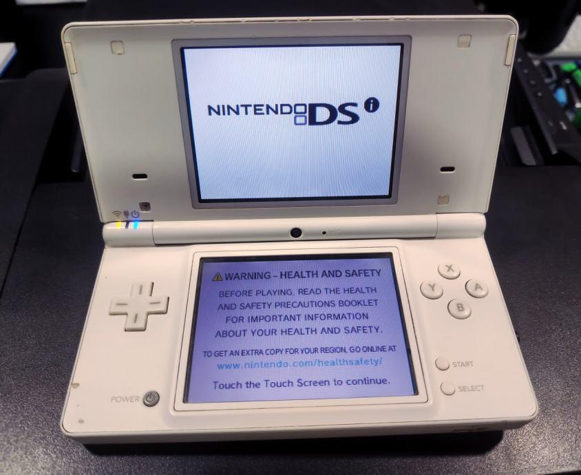 Nintendo DSi konzola - softmod - Nitendo