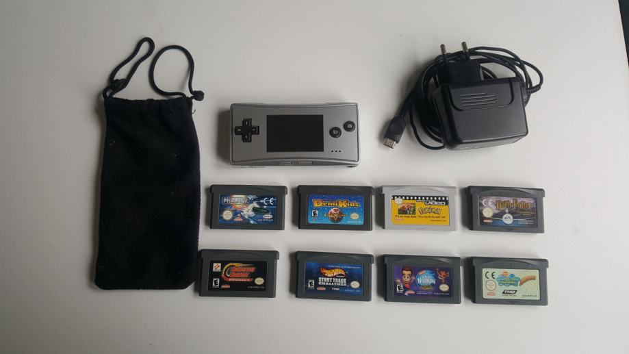 Nintendo Game Boy Micro sa 8 igara