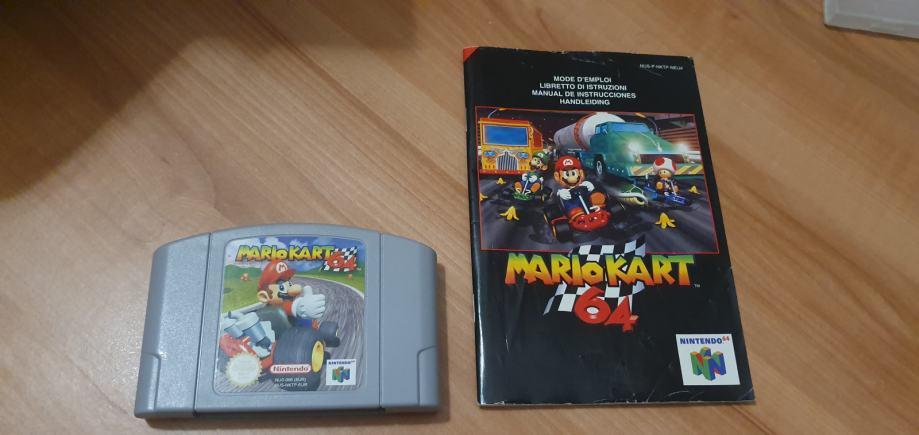 Super Mario Kart + knjigica