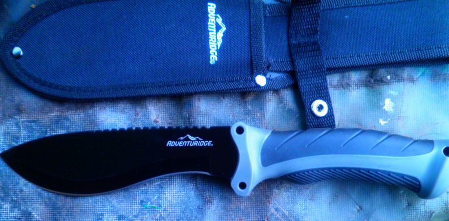 Prekrasan Austrijski lovački nož marke Advanturidge
