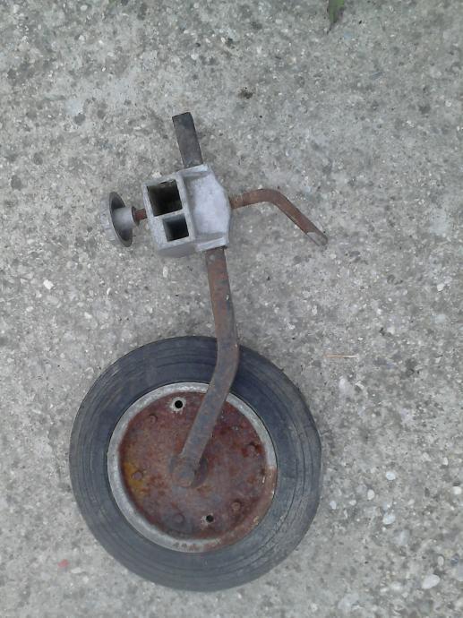Prednji kotač za frezu GUTBTOD