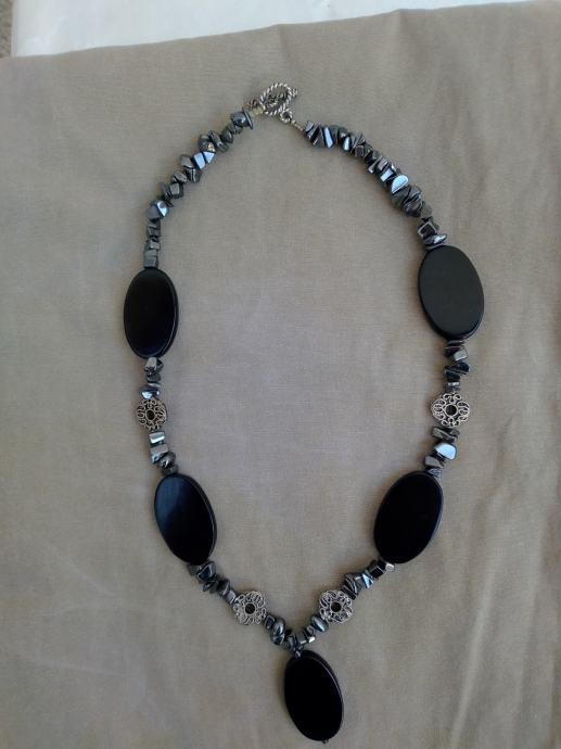 Ženska ogrlica nikl, srebrna, crna boja