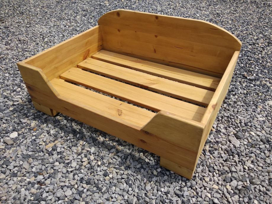 Veliki drveni krevet za psa (bez jastuka).