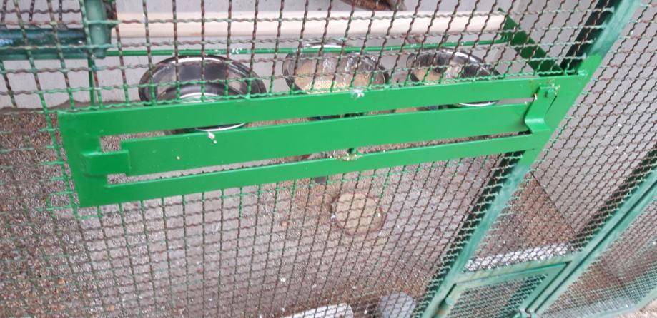 Hranilica za ptice rotirajuca