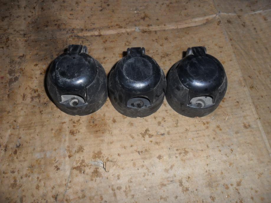 Utičnice za autoprikolice tri komada 7polova