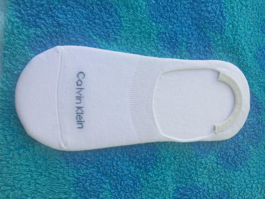 Otok Krk Calvin Klein nevidljive bijele, crne stopalice, čarape, 1 par
