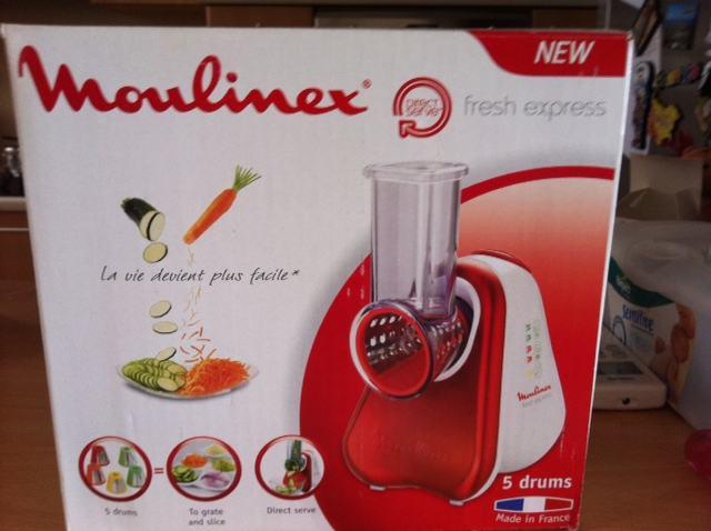 moulinex fresh express prakti na sjeckalica. Black Bedroom Furniture Sets. Home Design Ideas