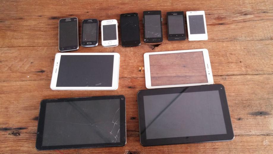 7 smartphonea + 3 tableta / sve zajedno 270kn _____ Sisak - Zagreb