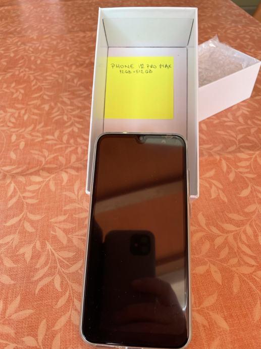 Phone i20 pro max, znaći nije iphone
