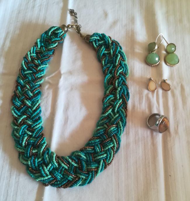 ogrlice, narukvice, naušnice, prsteni