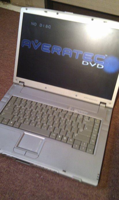 Averatec multimedijalni laptop,očuvan
