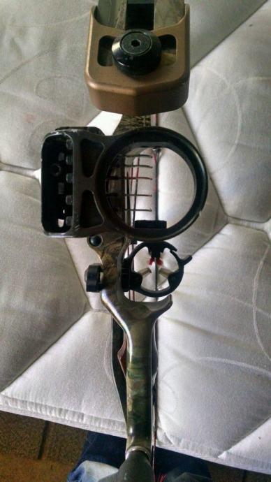 Složeni luk HOYT SierraTec (compound bow)