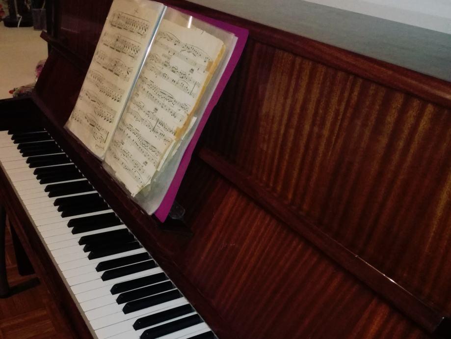 HITNO!! Odlična ponuda!! Pianino August Forster - Vrbani, Zagreb