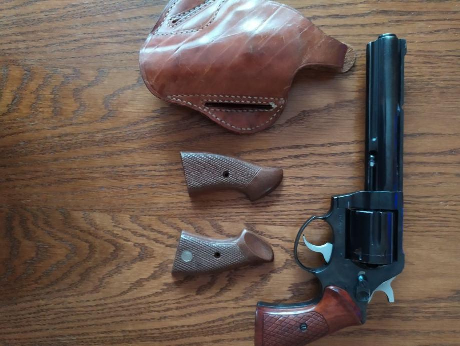 Pištolj revolver CZ 357 Magnum