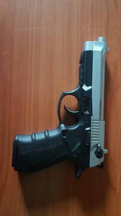 Plinski pistolj 9mm