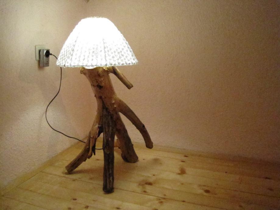 Unikatna podna lampa