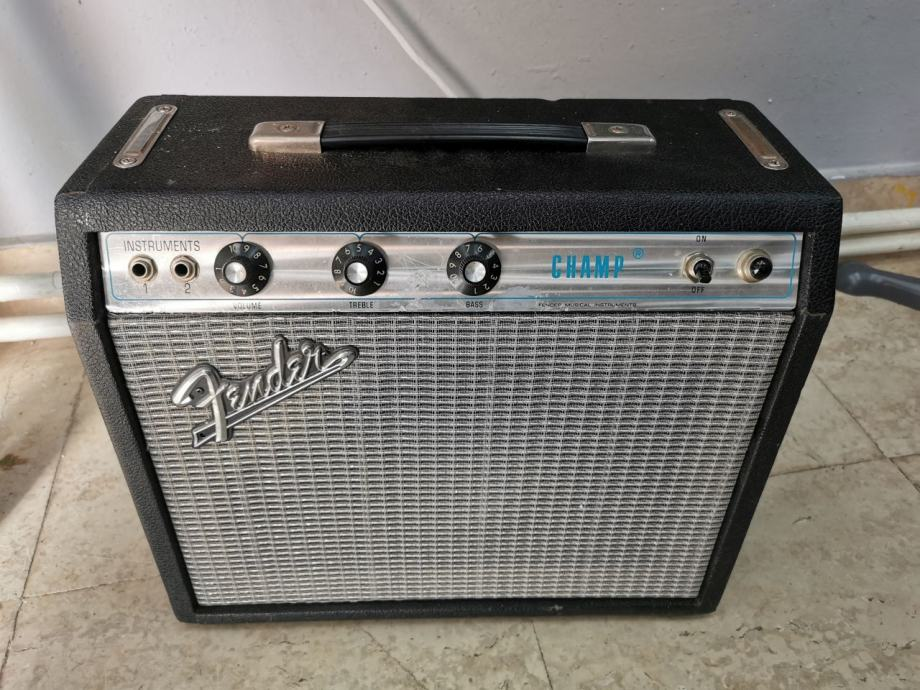 Fender Champ Silverface 1972. god.