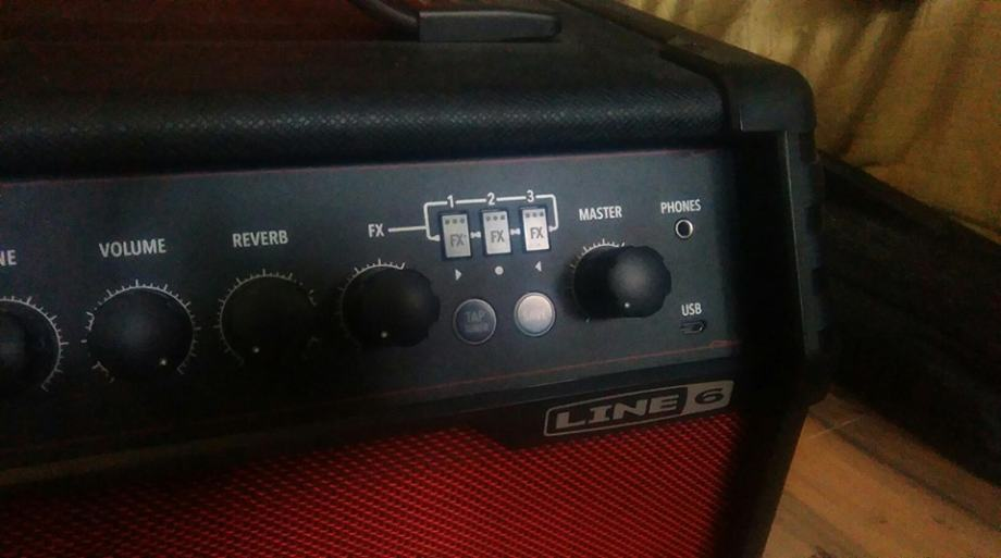 Spider V20 line 6 gitarsko pojačalo