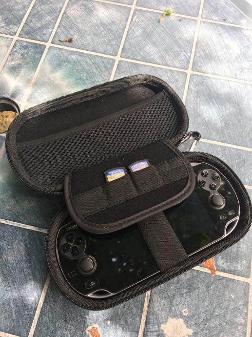 PS Vita - HITNO